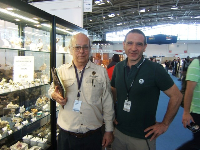 "Con Thomas P, Moore ""de Mineralogical Record"""